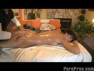 Orgasms su massaggio tavolo