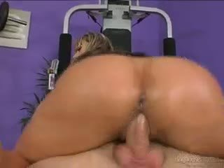 Horny Bubblebutt Christina Lee Sucks And Fucks A Big Rod