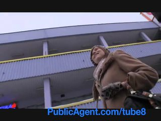 Publicagent pagdadalantao angelina jolie tingnan a katulad takes perang hawak para pagtatalik