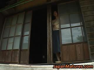 Chisato Shouda Gorgeous mature jap