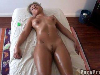 Steamy гаряча масло масаж