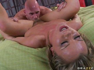 extreme big boobs videos - XNXXCOM