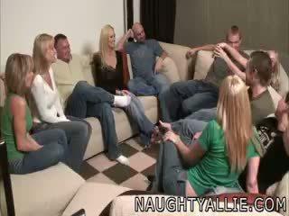 Impreza gra leads do a ogromny orgia swinger żony