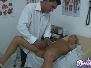Putas bree olson é having que guyr soaked pachacha tickled com dela physicians fingers