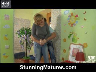 Susanna と govard dazzling ママ インサイド アクティビティ