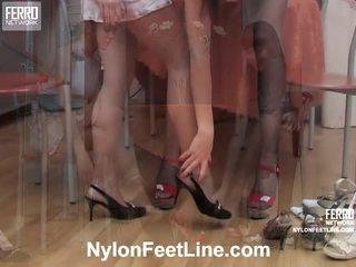 Alina și catherine ciorapi picioare acțiune