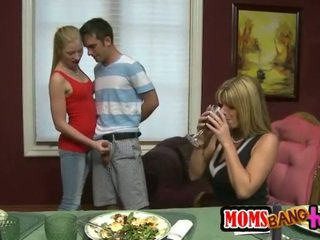 Kristal Summers n Avril Hall share cock
