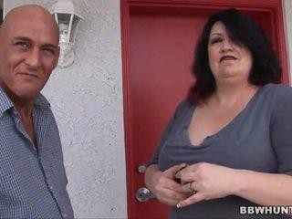 脂肪 女孩 是 giving 一 頭