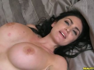 Brilliant bigtitted starý london jolie