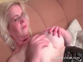 blondie cougar pleasuring her mature Pussy