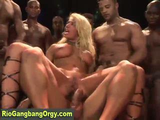 Sexy Latina Mami Takes Cock