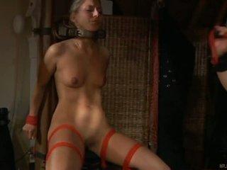 角质 奴隶 女孩 moans 的 乐趣 在 奴役,支配,虐待狂,受虐狂 session