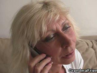 Trojček zabava s blondinke zreli widow