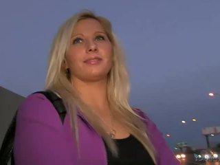 Blond amatør sabina pounded i offentlig