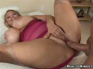 Hot and sexy samantha 38g gett.