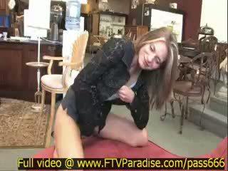 Brittni döbbenetes splendid szőke lány -ban egy antik bolt