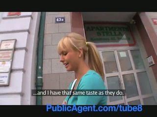 Publicagent gražu blondinė fucks mane į mano mašina