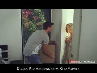 Manuel ferrara - big-tit ブロンド seduces 彼女の 男 新鮮 アウト の ザ· シャワー