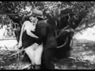 Antik porn 1915 egy ingyenes lovaglás
