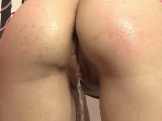 Pee fetish beautie sensual piss solo play