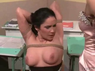 Nauczycielka punishing jej seksowne student