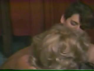 Marlena got son une jeune gouine!