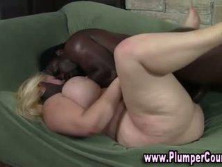 Plumper nasty blonde gets a cumshot