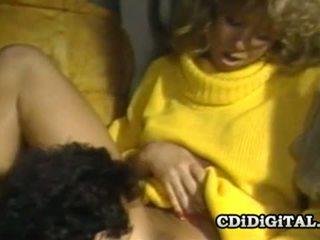 Blondie bee 80s πορνοσταρ banged σκληρά και βαθιά