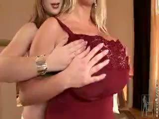 morena, big boobs, bebé