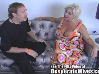Desperate esposa claudia marie eats cum!min