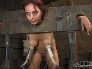 Σκλάβος gets ardous ράβδισμα