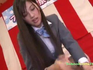 Szexi ázsiai diáklány faszkiverés ki neki mans fasz