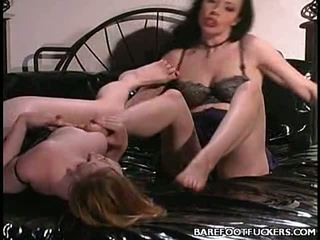 Lesbo Foot Sex Threesome