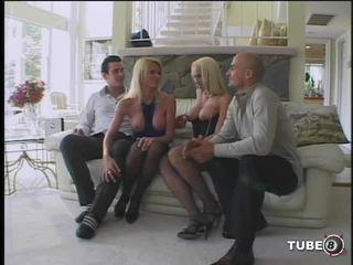 كس pounding posse - مشهد 4