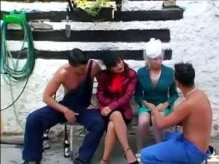 Satin blouse seks dengan empat orangan