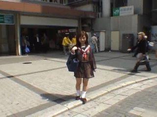 Mikan astonishing asia murid wedok enjoys publik flashing