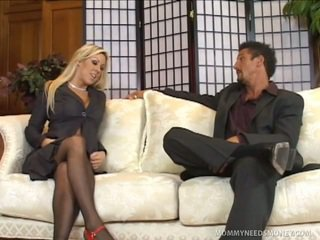 Carolyn Reese Craves Some Alpha Male Sausage