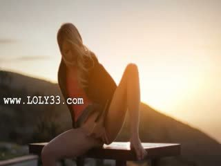 blondie babe Francesca during sunset