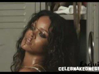 Rihanna seethrough 에 그녀의 흑단 유방 에 a photoshoot