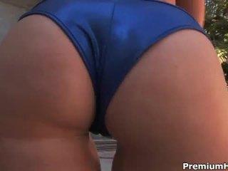 Besar membual bokong cami smalls opens lebar untuk gambar/video porno vulgar alat kelamin wanita corruption