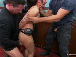 Sheena ryder has throat হার্ডকোর দ্বারা ব্যাংক robbers