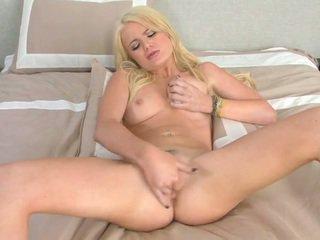 verkossa hardcore sex lisää, kuumin busty blondi katya, lisää soolo