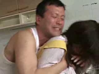 Трахання мій дружина sister на kichen відео