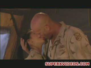 Hardcore sexe orgie en la armée