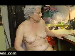 Namų vaizdeliai mėgėjiškas apkūnu senas senelė masturbacija storas putė video