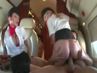 Stewardesses ridning en customers kuk