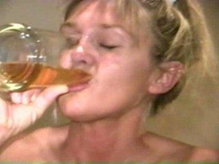 Piss: sherry carter minum lebih tua piss