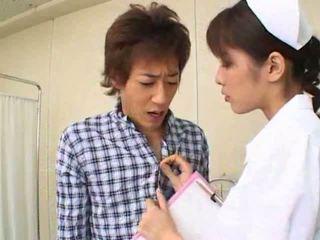 Sexy horký asijské japonská zdravotní sestra gives horký výstřik na ji pacient