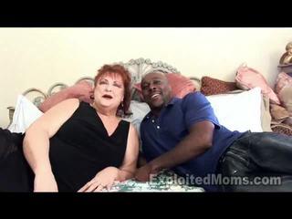 סבתא receives bawdy cleft pounded על ידי גדול שחור זין