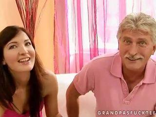brunete, hardcore sex, mutisks sekss, blowjobs
